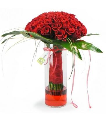 80 Rosas em Jarra de Vidro
